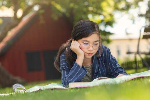 Girl Independent Reading